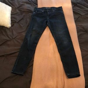 High-mid waisted Express skinny jeans!